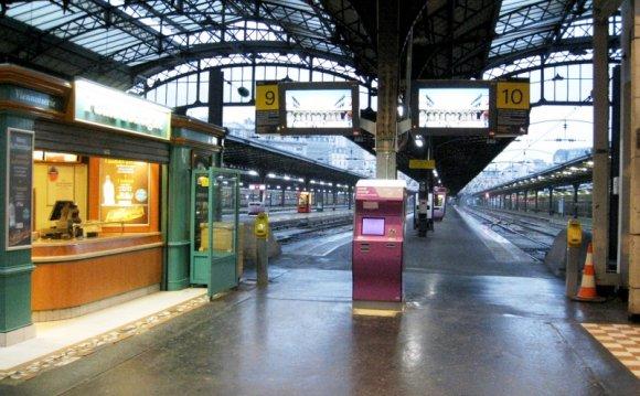 Paris Gare de l Est.